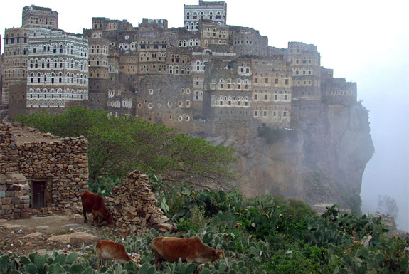 haj 5 Amazing Towns on Perilous Cliff Sides