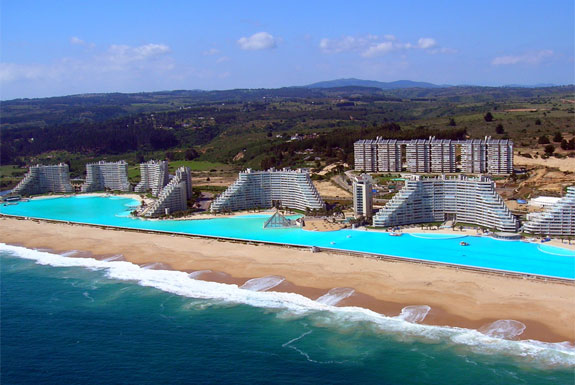 The World's Largest Swimming Pool