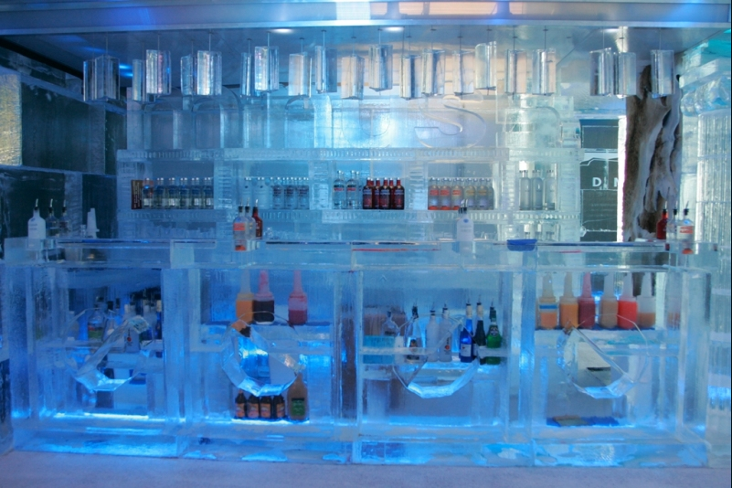 ice2 The Coolest Bar In Vegas: <br>The minus5 Ice Lounge