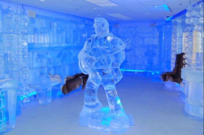 minus The Coolest Bar In Vegas: <br>The minus5 Ice Lounge