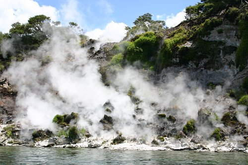 mangu2 New Zealands Best Hot Springs <br>& Geothermal Sites