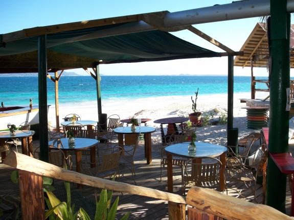 dune2 575x431 5 Cool Caribbean Beach Bars
