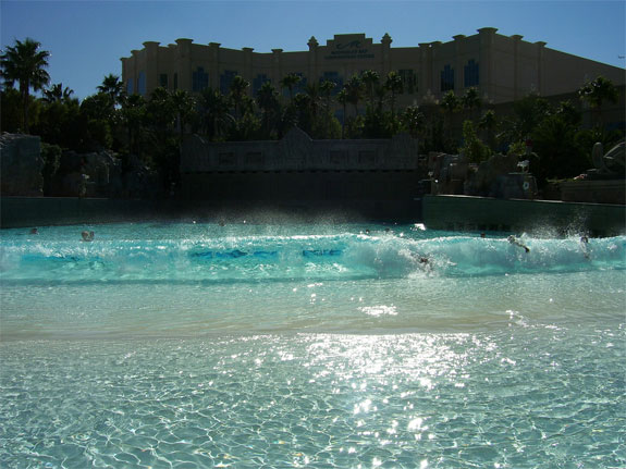 mandalay bay pool2 The Seven Wonders <br>of Las Vegas Pools