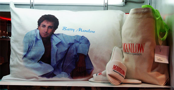manilow1 The Barry ManiLOVE Store