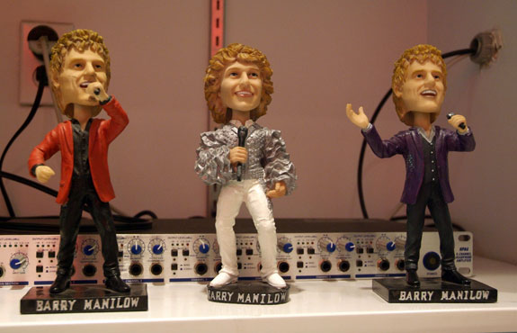 manilow3 The Barry ManiLOVE Store