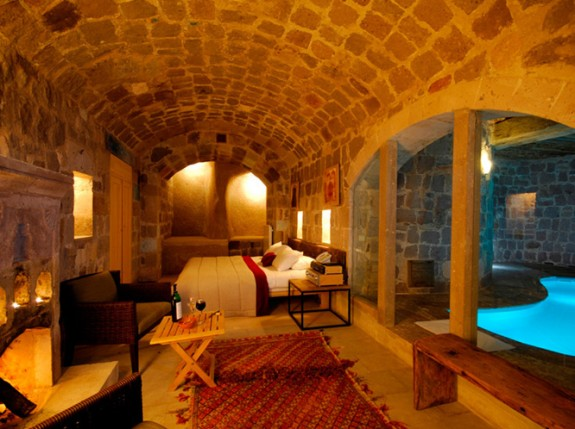 argos cappadocia cave pool 575x429 Cappadocias Cave Hotels