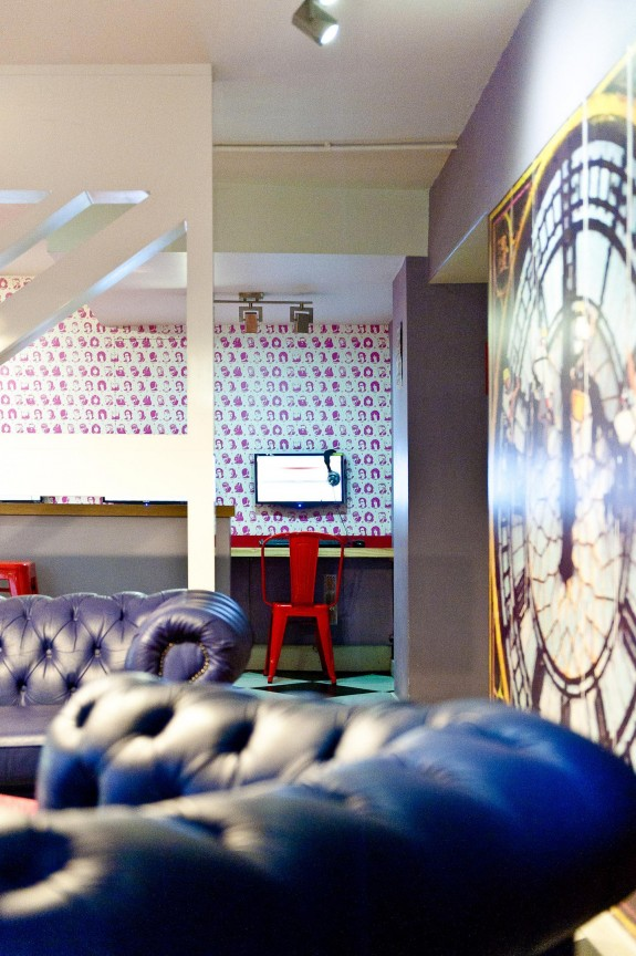clink261 facilities lounge london 575x864 3 Cool & Affordable Places To Stay In London
