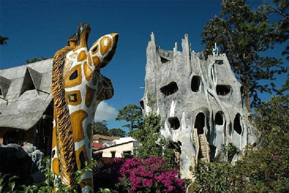 crazy house 1 One Fish, Two Fish, <br>Places That Look Dr. Seuss ish