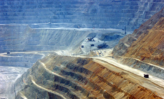 bingham canyon 2 7 Amazing Circular Geological Oddities