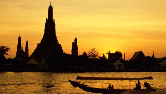 bangkok wat arun Our Favorite Hotel Room In Bangkok