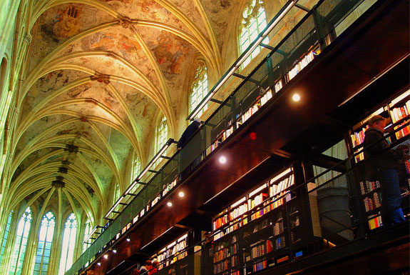 The World's 6 Coolest-Looking Bookstores