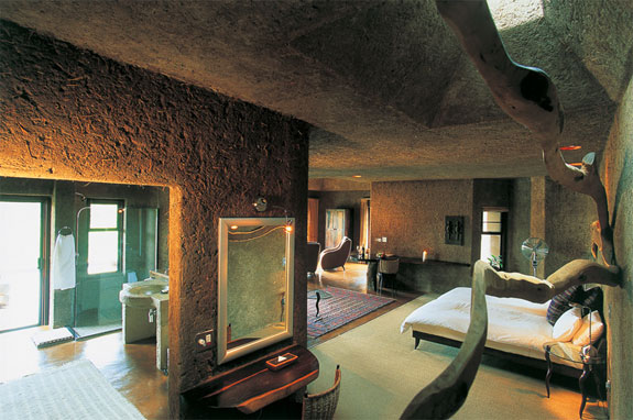 earth lodge 1 7 Amazing & Luxurious <br>South Africa Safari Lodges