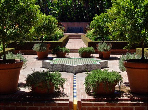 lotusland 1 Lotusland: <br>Ganna Walska's Garden of Dreams