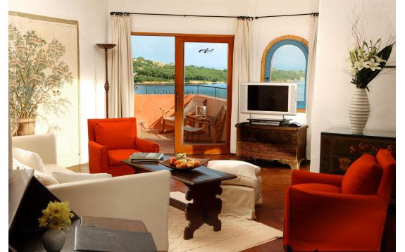 cala di volpe sardinia 3 The 3 Most Posh (and Expensive) Sardinia Suites