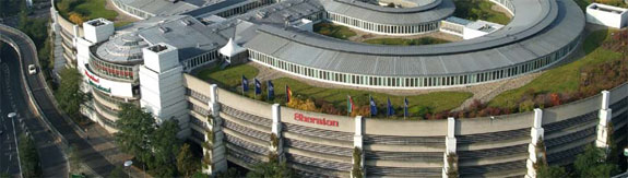 sheraton dusseldorf 2 5 Luxurious Airport Hotels