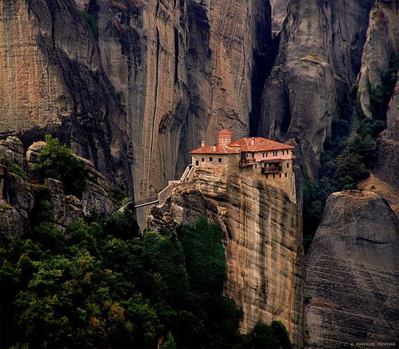 meteora greece 2 5 Temples & Monasteries <br>on Perilous Cliff Sides