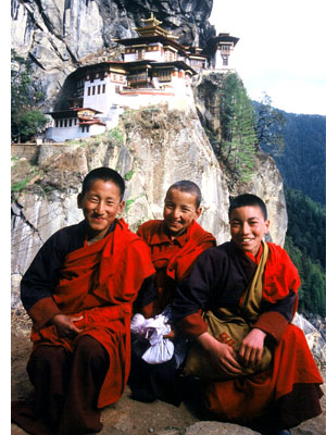 taktsang bhutan s 5 Temples & Monasteries <br>on Perilous Cliff Sides