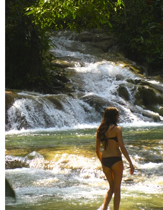 dunn river s The Worlds Most Beautiful, Crowded Waterfall