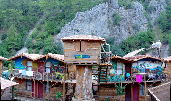 kadir treehouse hotel 1 Stay in an Eclectic, Inexpensive Mediterranean Treehouse