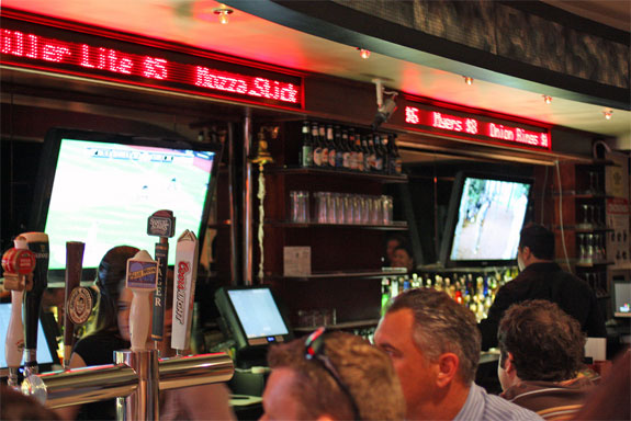 exchange bar 2 The NYC Bar Where Prices Fluctuate Like Stocks