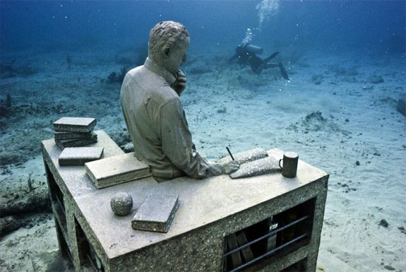 cancun underwater museum 4 The Worlds Largest Underwater Sculpture Park