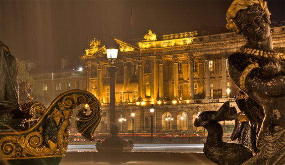 hotel crillon paris 1 Lodge Luxuriously Like King Louis
