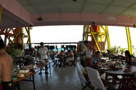 seaventures dive resort 2 Go Scuba Diving <br>From an Oil Rig Hotel
