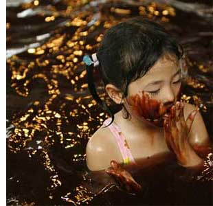 japan chocolate bath s Bathe In Chocolate