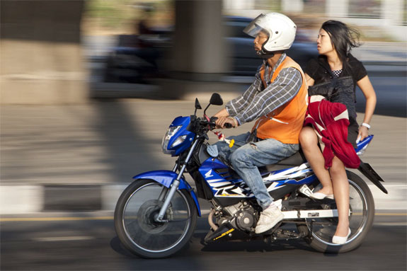 motorcycle taxi meter 2 Meters Come To Thailands Motorcycle Taxis