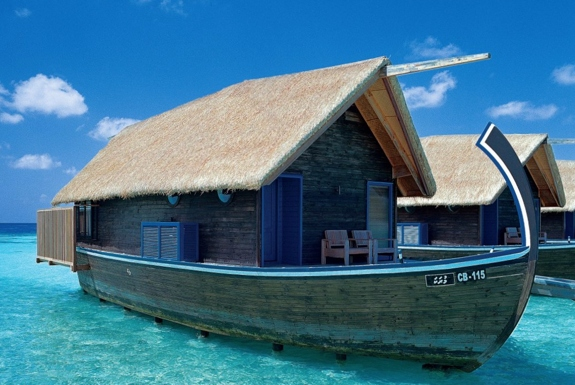 The Luxurious Boat-Room Resort