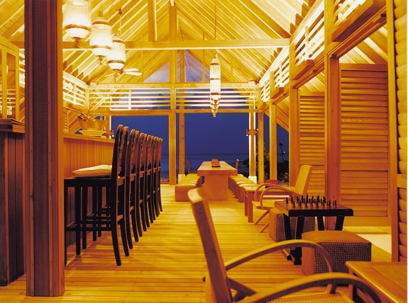 faru bar maldives The Luxurious Boat Room Resort