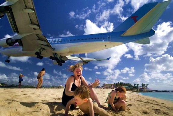 Plane Spotting, Caribbean-Style