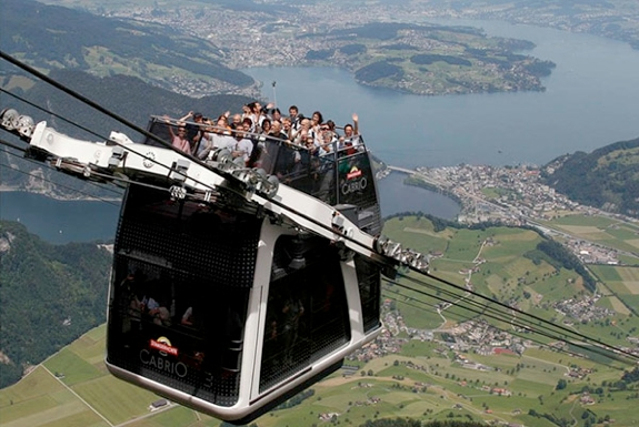 The Roofless Double Decker Aerial Cable Car