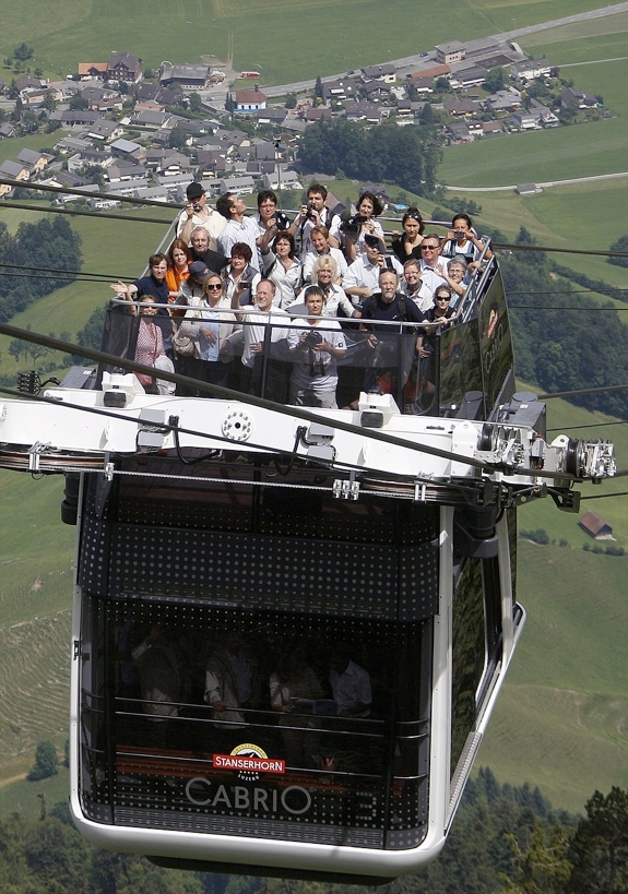 swiss double decker cable car 2 The Roofless Double Decker Aerial Cable Car