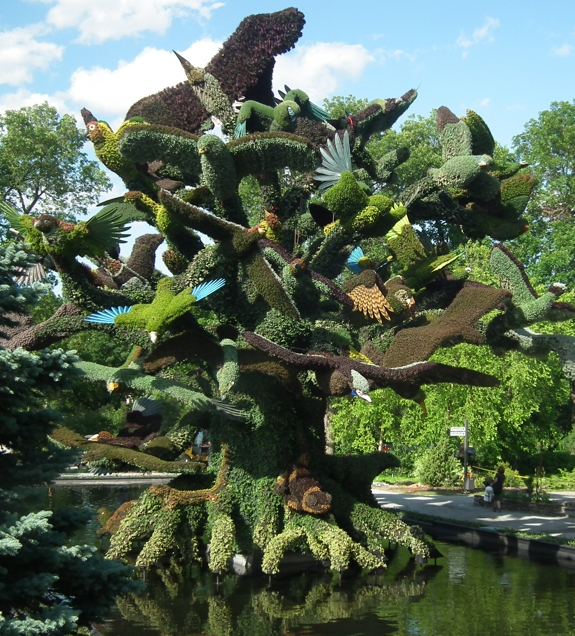 bird tree botanic garden montreal The Living Sculptures of Mosaïcultures