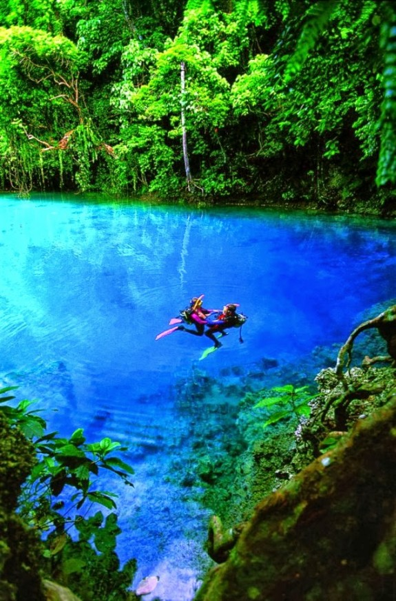 nanda blue hole vanuatu 575x873 The Worlds Most Amazing Swimming Holes