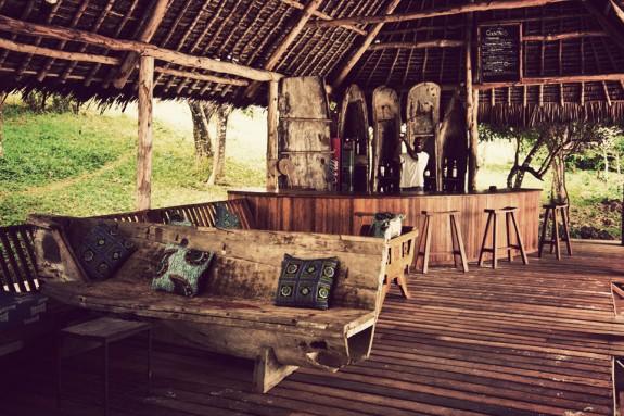 manta resort pemba 3 575x383 Total Luxury Half Underneath the Indian Ocean