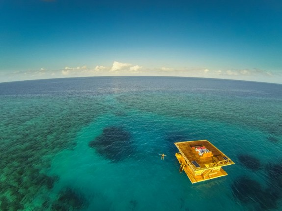 manta resort pemba review out1 575x431 Total Luxury Half Underneath the Indian Ocean