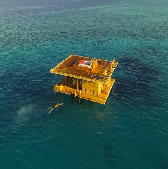 manta resort pemba review out3 575x579 Total Luxury Half Underneath the Indian Ocean